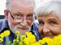 Как модно выглядеть женщине и мужчине после 60