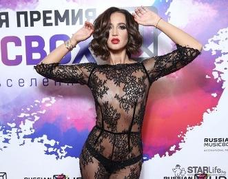 Александр Васильев о нарядах звезд и женской моде - последние публикации